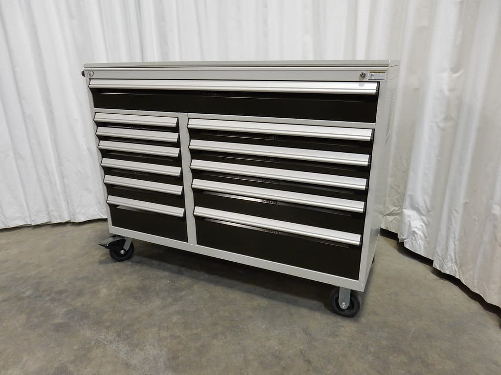 Coffre à outils multi-tiroir